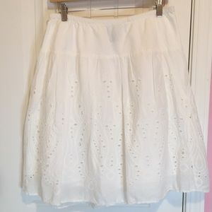 Roz & Ali Dressbarn White Cotton Eyelet Skirt